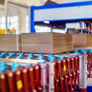 Corrugating medium imports down 31%